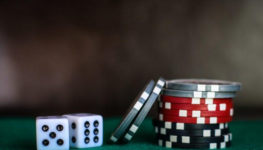 人気のテレビ番組でのギャンブルの描写は世論の形成に役立ちますか?